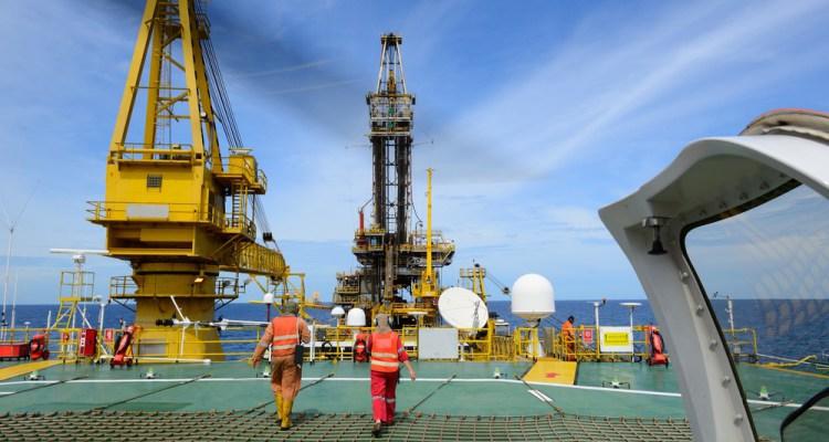 Resultado de imagem para Transpetro funcionario embarcado