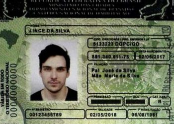 Brasília - A nova Carteira de Habilitação (CNH) com o QR Code já implementado foi apresentada hoje (José Cruz/Agência Brasil)
