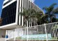 Fachada da Prefeitura de Macaé . Macae RJ - Data: 26/04/2013 - Fotógrafo: Mauricio Porão - Prefeitura de Macaé RJ