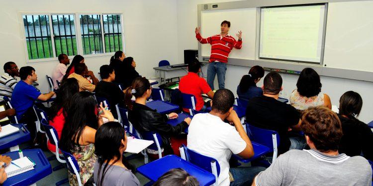 Sala de aula - Curso superior Faetec