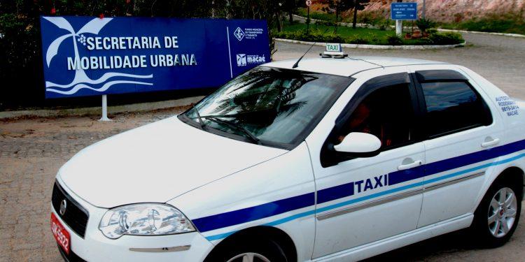 Vistoria Anual de Taxis, Aferição de taxímetro e Renovação de Licença . Macaé/RJ - Data: 01/07/2013. Foto: Juranir Badaró - Prefeitura de Macaé.