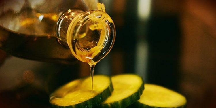 Azeite de oliva ainda é pouco consumido no Brasil, em comparação a outros países